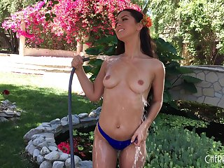 Alina Lopez likes to strip hither outdoors plus pose on the bench