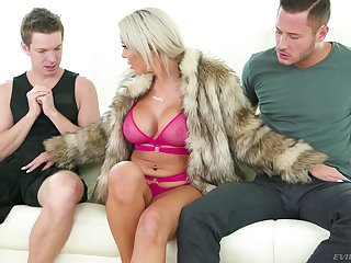Cock hungry MILF Nina Elle gets a juicy double facial